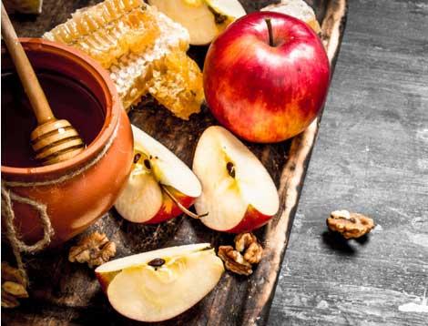 フルーツ幹細胞エキス、ハチミツ、3種のオイル